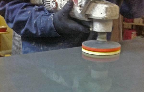 Полировка-бетона-Зачем-нужна-способы-инструмент-и-цена-полировки-бетона