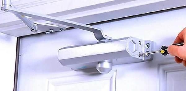Доводчик-дверной-Описание-характеристики-виды-применение-и-цена-доводчика-4