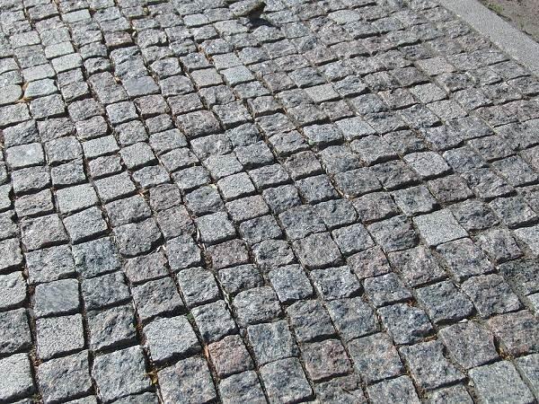 Брусчатка-тротуарная-Описание-особенности-виды-характеристики-укладка-и-цена-брусчатки-2