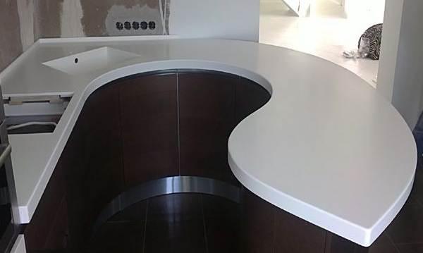 Архитектурный-бетон-в-интерьере-5