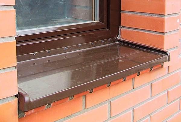 Как-установить-отливы-на-пластиковые-окна-1